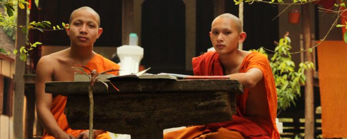 luang prabang moine aux environs de la ville